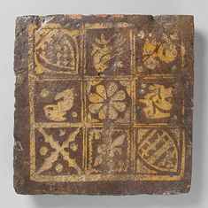 Two-Colored Heraldic Tile
