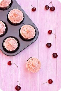 cherry & chocupcakesglutenfree_ in spanish but there is a translate button