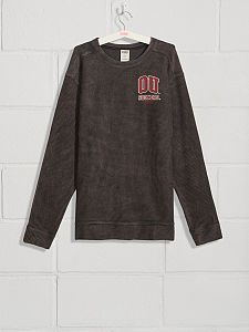 Shop the University of Oklahoma college apparel collection and show your school spirit. Find cute college hoodies, sweatshirts, t-shirts, and more today at PINK! College Apparel, College Hoodies, University Of Oklahoma, Perfect Mother's Day Gift, School Spirit, College Outfits, Sweatshirts, Pink, Mens Tops