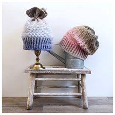 Tunella's Geschenkeallerlei präsentiert: geniale gehäkelte Haube/Mütze aus Alpaca/Wolle/Acryl-Mischung - Du kannst dich warm anziehen, dank sorgfältigem Entwurf, liebevoller Handarbeit und deinem fantastischen Geschmack wirst du umwerfend aussehen. #tunellasgeschenkeallerlei #häkelei #drumherum #beanie #zipfel #handgemacht #geschenk #alpaca #wolle #warm #kratztnicht Vincent Van Gogh, Alpaca, Winter Hats, Beanie, Mockup, Wool, Dressing Up, Handarbeit, Clothing