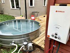 Stock Tank Hot Tub DIY (propane) — Stock Tank Pool Tips, Kits, & Inspiration Outdoor Bathtub, Diy Bathtub, Outdoor Hot Tubs, Hot Tub Backyard, Backyard Pools, Pool Landscaping, Outdoor Pool, Outdoor Gardens, Outdoor Decor