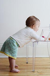 Lola skirt knitting pattern for girls.