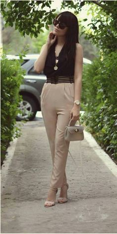 Two color jumpsuit outfit | Super Stylish Jumpsuit Outfits  read more : http://www.ferbena.com/super-stylish-jumpsuit-outfits.html  #jumpsuit #overall #outfit #fashion #streetstyle