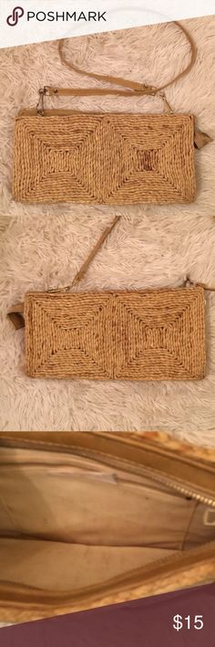 Vintage Gypsy Boho Retro Woven Wicker Purse Hippy Gorgeous . True vintage. •Lite Wear . No damage . Wear as a hand held or shoulder . vintage Bags Shoulder Bags
