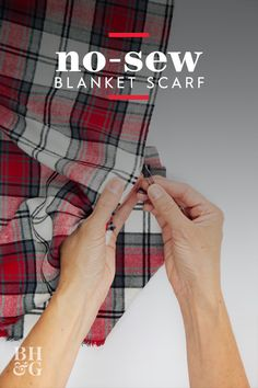 Keep warm this season with a plaid flannel blanket scarf. This might be the easiest DIY ever—you can make it yourself in under 15 minutes! Diy Blanket Scarf, Flannel Blanket, Diy Scarf, Plaid Flannel, Diy Clothes Refashion, Diy Clothing, Sewing Clothes, Clothing Patterns, No Sew Blankets