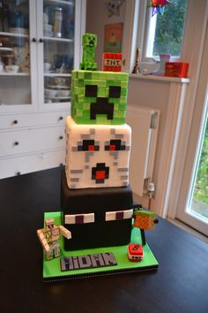 Minecraft Cake Minecraft Cake for my son's birthday. Creeper, Ghast and Enderman. Minecraft Cake Minecraft Cake for my son's birthday. Creeper, Ghast and Enderman tiers. Minecraft Birthday Cake, Cake Minecraft, Minecraft Houses, Creeper Minecraft, Minecraft Crafts, Birthday Cakes, Minecraft Party Food, Amazing Minecraft, Minecraft Bedroom