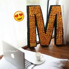 M Letter, Alphabet Wallpaper, Crush Quotes, Funny Quotes, Lettering, Words, Spanish, Names, Friends