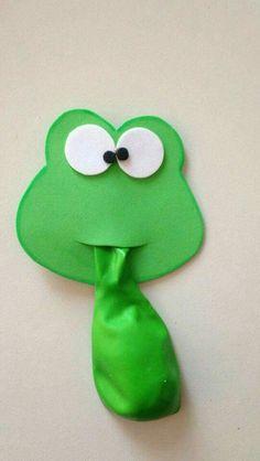 Souvenirs o detalles especiales para fiestas infantiles. Frog Crafts, Preschool Crafts, Diy And Crafts, Arts And Crafts, Paper Crafts, Frogs Preschool, Diy For Kids, Crafts For Kids, Frog Activities
