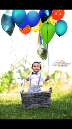 One year old boy pictures | Toddler Portraits | NashLaneyPhotography | Nikon | Outdoor photography |  Balloons and a basket