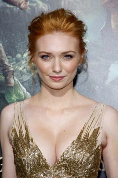 Eleanor Tomlinson Photos - Eleanor Tomlinson at the Los Angeles premiere of 'Jack The Giant Slayer' held at the TCL Chinese Theater. - 'Jack The Giant Slayer' Premieres in LA Eleanor Tomlinson, Beautiful Red Hair, Gorgeous Redhead, Beautiful People, Jack The Giant Slayer, British Actresses, Fair Skin, Celebs, Celebrities