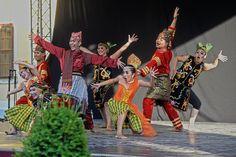 Hrubos Zsolt Indonéz táncosok a mórikumon Több kép Zsolttól: www.facebook.com/zsolt.hrubos és www.hrubosfoto.hu Facebook