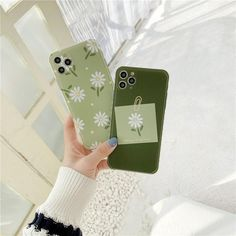 Daisy Flowers iPhone Case - Light Green Background with Daisies / Apple 12 Pro