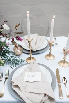 minimalistic place settings - photo by Holly Von Lanken Photography http://ruffledblog.com/romantic-modern-minimalist-wedding-inspiration