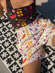 Frida Short - Farmers Market White – Lisa Says Gah Short Waist, Farmers Market, Alexander Mcqueen Scarf, Elastic Waist, Style Me, Style Inspiration, Pure Products, Model