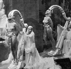 Fashions of 1934.William Dieterle. 1934.