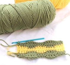 How to Crochet The Two-Color Wave Stitch
