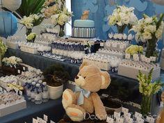 Esta foi a festa de aniversário do Paulo Alfredo!  A mamãe Fabiana contratou as mesas e um painel azul marinho e queria que nós dessemo...
