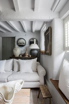 Fascinating houzz country living room to refresh your home Cottage Living Rooms, Cottage Interiors, Home And Living, Living Room Decor, Modern Living, Cottage Living Magazine, Cozy Living, French Country Living Room, French Cottage