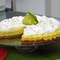 Anote três receitas de sobremesas suculentas feitas com limão
