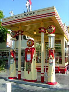 Art Deco gas station modified into apartments - Old Gas Pumps, Vintage Gas Pumps, Drive In, Vintage Signs, Vintage Cars, Vintage Tools, Pompe A Essence, Auto Retro, Art Deco