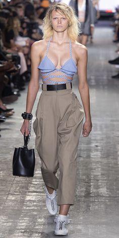 Desfile New York Fashion Week PrimaveraVero 2017 Alexander Wang Destaques  Fragmentos de Moda