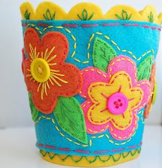 coffee cup cozy ~ would make a great plant pot cover too.