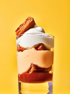 This deconstructed mille-feuille is served in a jar and includes a deliciously decadent salted butter caramel sauce. Fall Recipes, Sweet Recipes, Pots, Cupcake In A Cup, Pastry Brushes, Creamed Eggs, Cheat Meal, Salted Butter, Something Sweet