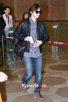 CNBLUE Heads Over To China To Attend 'YINYUE V-Chart Awards' - April 15, 2014 [PHOTOS] : Photos : KpopStarz