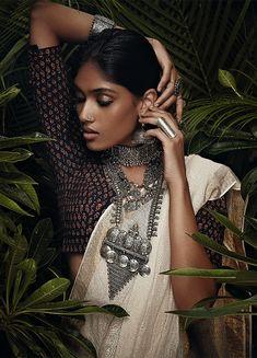 New fashion photography inspiration culture Ideas Indian Photoshoot, Saree Photoshoot, Silver Jewellery Indian, Ethnic Jewelry, Bohemian Jewellery, Gold Jewelry, Bollywood, Oxidised Jewellery, Jewellery Box