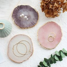 Resin Storage Painted Palette Tray Agate Jewelry Display Plate Necklace Ring Earrings Display Trays Holder Golden Rim Dish Decor-in Storage Trays from Home & Garden on AliExpress - Day Agate Jewelry, Jewelry Tray, Jewelry Stand, Jewelry Holder, Jewellery Storage, Jewelry Organization, Jewellery Display, Earring Holders, Pearl Jewelry
