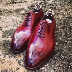 Vintage Cherry by Gaziano & Girling is quite possibly the best shade of red the footwear industry has ever seen. It's not so strong that it frightens you or reminds one of blood, but not so dee...