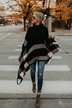 Fashion High-neck Knitting Sweater Cover-Ups Tops – 8 Banana Poncho, distressed jeans, boots Mode Outfits, Chic Outfits, Fashion Outfits, Fashion Clothes, Black Outfits, Outfits 2016, Travel Outfits, Teen Outfits, Dress Fashion