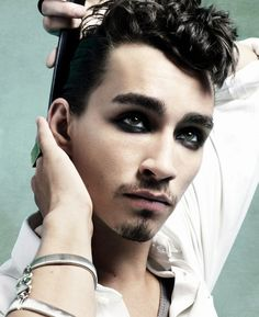IT PAYS TO BE CHEEKY: ROBERT SHEEHAN, camera operators: rankinfilm  video editor: josh cooper at rankinfilm  I LOVE THIS!