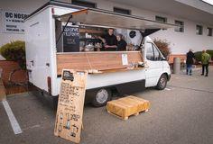 Первый фестиваль уличной еды в Праге Food Truck Show