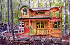Absolutely AMAZING custom playhouses -