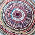 Meska - horgolt rongyszőnyeg újrahasznosított anyagokból Molylepke kézművestől