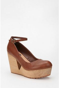 Deena & Ozzy Leather Cutout Wood Wedge