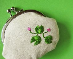 Kiss lock coin purse lotus leaves on linen by oktak on Etsy, $36.00