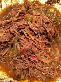 to Make Ropa Vieja/Shredded Flank Steak in Tom. Sauce Ropa Vieja/Shredded Flank Steak in Tom. SauceRopa Vieja/Shredded Flank Steak in Tom. Boricua Recipes, Mexican Food Recipes, Beef Recipes, Cooking Recipes, Ethnic Recipes, Flank Steak Recipes, Mexican Meals, Mexican Cooking, Easy Recipes