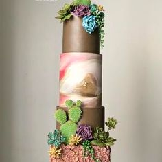 von More_Sugar - Cake, cake and…. Black Wedding Cakes, Beautiful Wedding Cakes, Beautiful Cakes, Amazing Cakes, Fondant, Fresh Flower Cake, Flower Cakes, Fig Cake, Couture Cakes