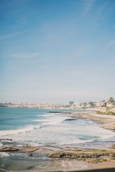 This Lisbon coastal bridal shoot is set in the gorgeous Villa Sao Paulo & features beautiful gowns by Penhalta Sposa, captured by Renée Hollingshead. Bridal Session, Bridal Shoot, Ocean View Wedding, Flies Away, Lisbon Portugal, Beautiful Gowns, Location, Seaside, Coastal