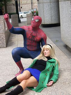 Characters: Spider-Man (Peter Parker) & Gwen Stacey / From: MARVEL Comics 'The Amazing Spider-Man' / Cosplayers: Unknown