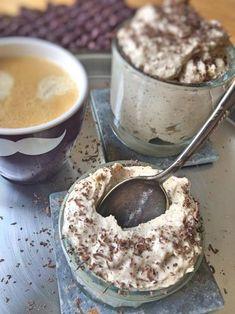 low-carb-mousse-au-tiramisu-ein-leckeres-low-carb-dessert-ohne-zucker-ohne-ei-schnell-und-einfach-ein-italienisches-low-carb-rezept