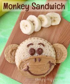 Kids will go bananas over these Monkey Sandwiches. They make the perfect lunch t… Kids will go bananas over these Monkey Sandwiches. They make the perfect lunch to pack on an outing to the zoo. Food Art For Kids, Cooking With Kids, Preschool Cooking, Cooking Ideas, Toddler Meals, Kids Meals, Cute Food, Good Food, Baby Food Recipes