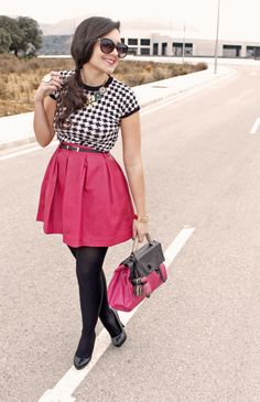 I could almost attempt this, but maybe I'd stop at the matching handbag. Fancy Skirts, Pleated Skirts, Work Wear Office, Urban Chic Fashion, Types Of Skirts, Jean Skirt, Office Outfits, Modest Outfits, Jeans Style