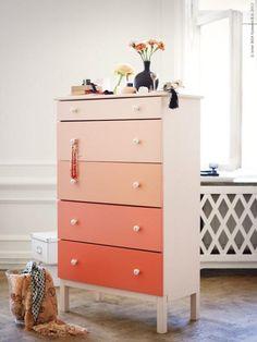 Coral pink ombre is cute! Would look good on a new dresser. Creatief met Ikea spullen: de kleurenstaal kast.