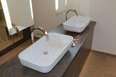 moderne Waschtischanlage #Bad #Badezimmer #Bath #Bathroom #Fliesen #Wandfliesen #Bodenfliesen #Waschtisch #Armatur #Becken