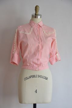 Spun Sugar blouse / vintage cotton by seaofvintage 50s Outfits, Candy Stripes, Blouse Vintage, Collar And Cuff, Cotton Blouses, Lace Detail, 1950s, High Waisted Skirt, Sugar