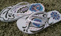 Decorate Flip Flops with SHARPIES..great for a party craft