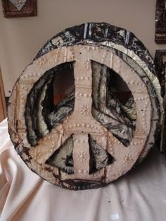 Creative ideas in crafts and upcycled, innovative, repurposed art and home decor. Hippie Love, Hippie Art, Happy Hippie, Peace Sign Art, Peace Signs, Emo, Tin Ceiling Tiles, Give Peace A Chance, Upcycled Home Decor